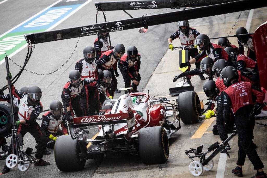 F1 | Alfa Romeo, disastro al pit-stop per Antonio Giovinazzi