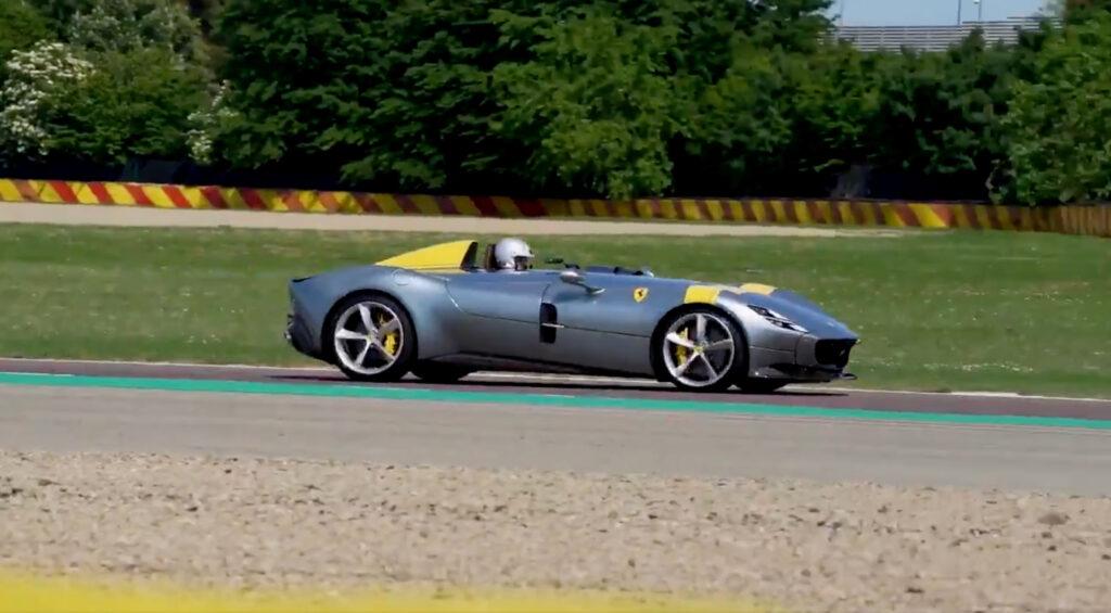 Ronaldo a Maranello: la giornata in Ferrari con Leclerc e Sainz [VIDEO]