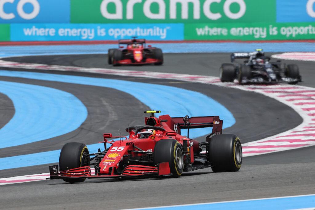 """F1   Ferrari e l'usura gomme, Sainz: """"Dobbiamo allargare la finestra di utilizzo"""""""