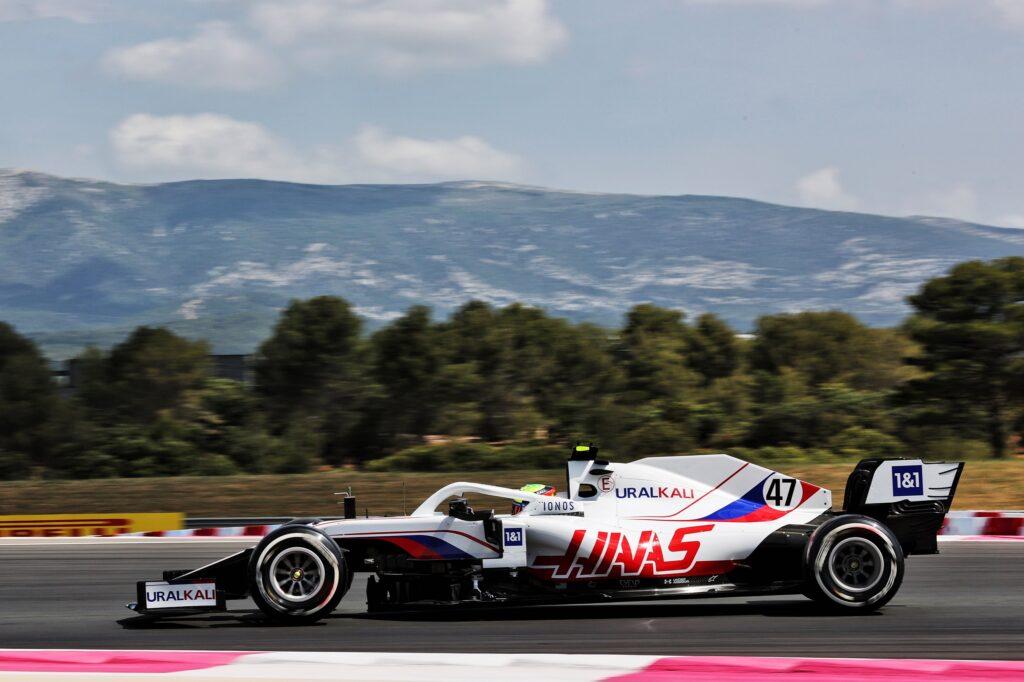 F1   Haas, l'aumento della pressione delle gomme mette in difficoltà Schumacher e Mazepin