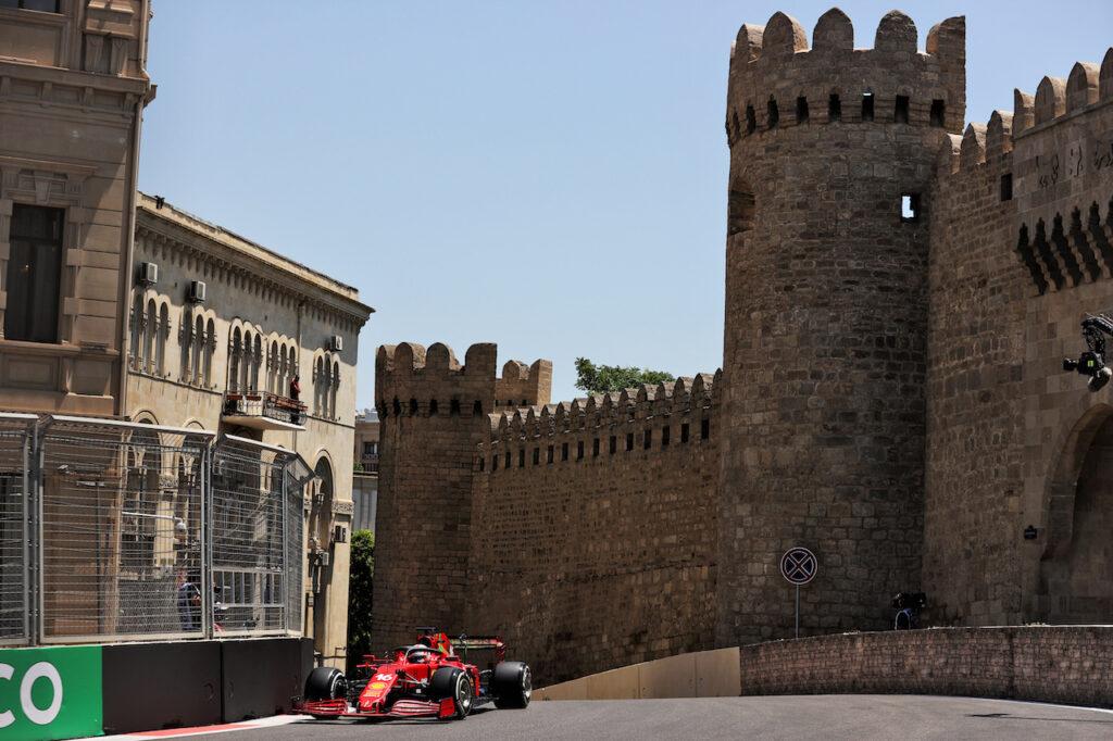 F1 | Ferrari, 33 giri per Leclerc e Sainz nelle FP3 di Baku