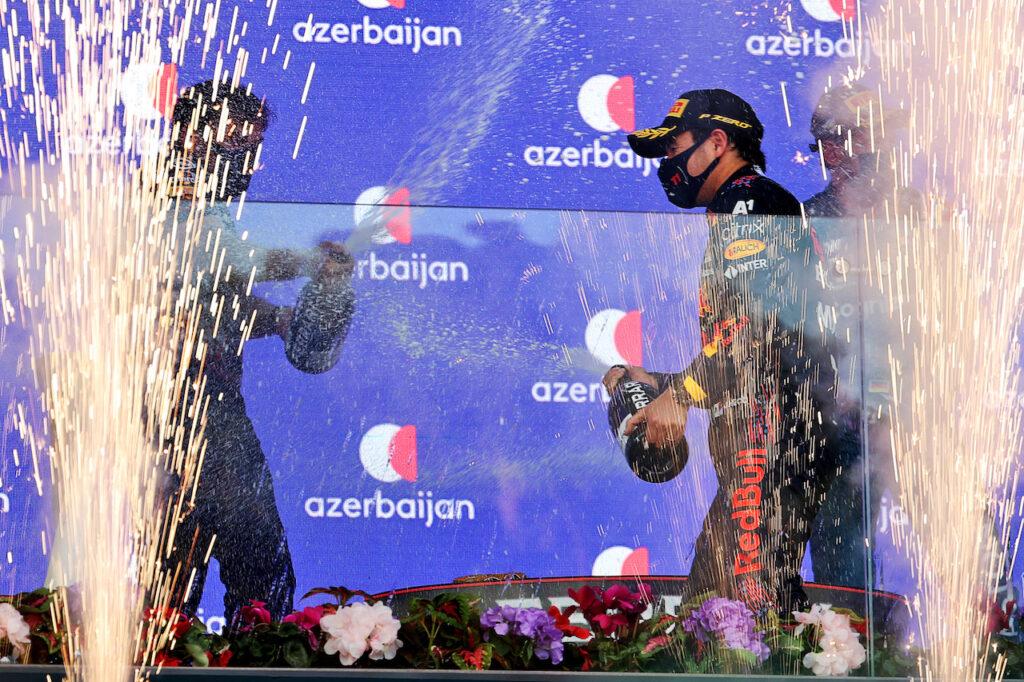 """F1   Hill non ha dubbi: """"L'esperienza sta aiutando Perez in Red Bull"""""""