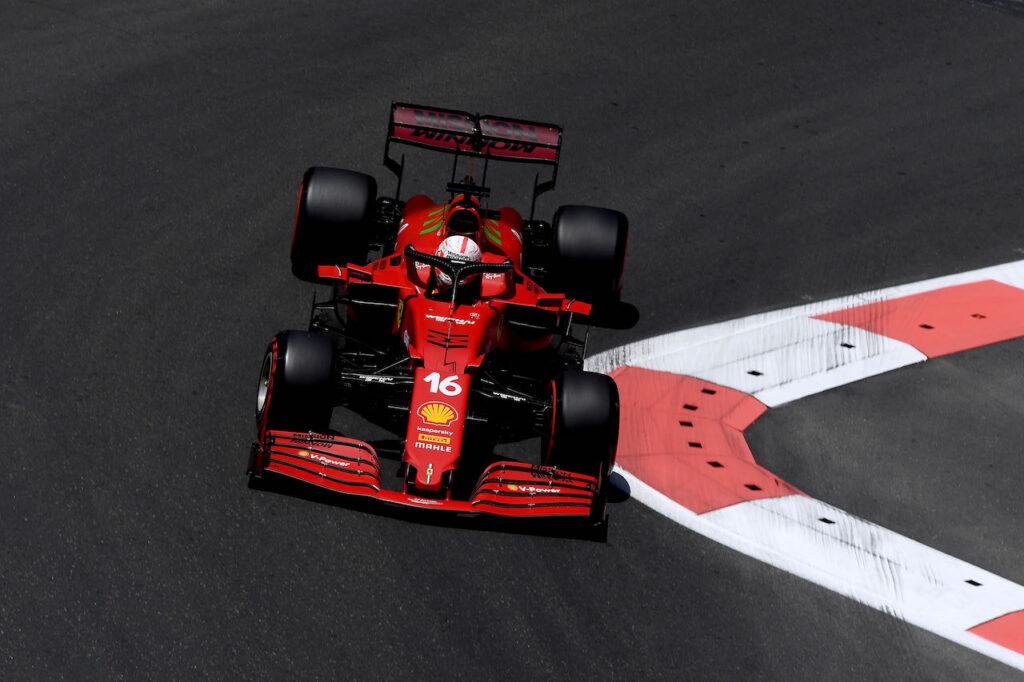 Formula 1   Leclerc in pole position nelle qualifiche di Baku