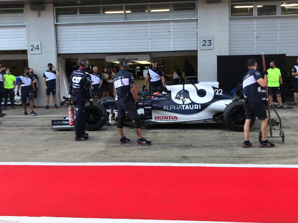 F1 | Test Pirelli, Tsunoda completa 131 giri