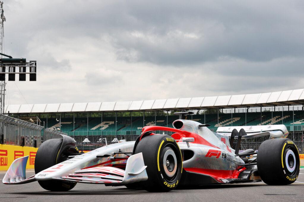 """F1   Sainz sulla Ferrari per il 2022: """"Diversa dal prototipo presentato a Silverstone"""""""