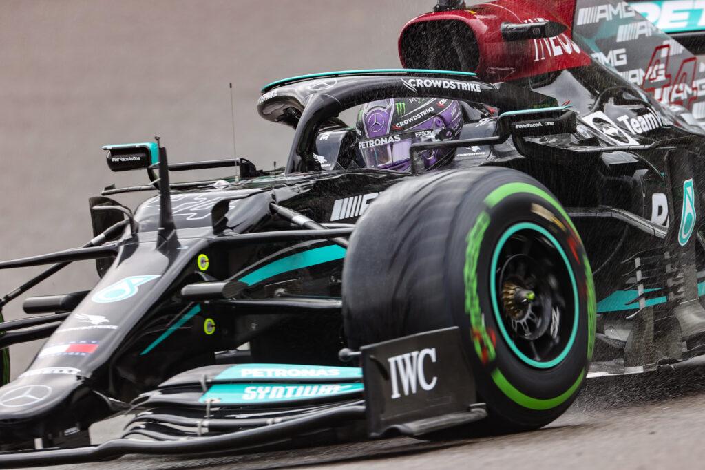 """F1   Mercedes, Lewis Hamilton: """"E' stata una giornata difficile"""""""