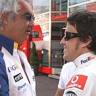 Alonso ricontattato dalla Renault gia' alla prima gara del 2007
