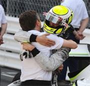 La Brawn spera di tenere Button per il 2010