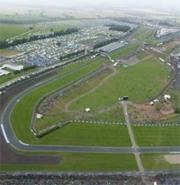 Donington rientra in corsa con la nuova licenza