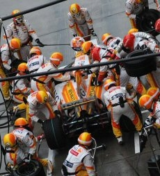 Renault F1: Un weekend deludente in Cina