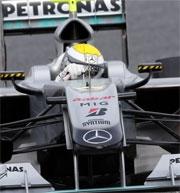 Test a Barcellona: Rosberg in testa nella penultima giornata