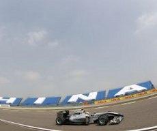 Mercedes GP: Buoni progressi nelle libere a Shanghai